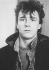 A young Damien Hirst