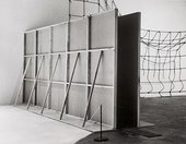 Bruce Nauman, Performance Corridor 1969