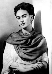 Frida Kahlo with Magenta Reboza