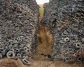 Edward Burtynsky  Oxford Tire Pile  Westley California USA 1999