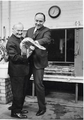 Joan Miró and Desmond Morris in the reptile house at London Zoo 1964, photographed by Lee Miller