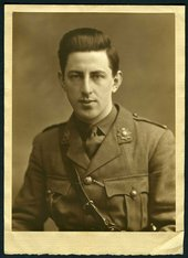 Paul Nash in military uniform