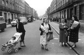 Roger Mayne Southam Street, with women in the foreground 1961