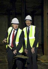 Boris Johnson and Nicolas Serota holding a spade