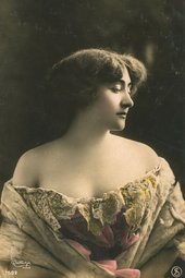 Valentine de Saint-Point as photographed by Charles Reutlinger in 1907