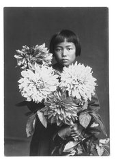 Yayoi Kusama at the age of ten in 1939