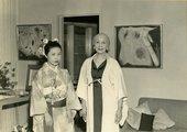 Kusama with Zoe Dusanne at Dusanne Gallery, Seattle, 1957 Courtesy Yayoi Kusama Studio, Inc