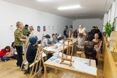 A life drawing class