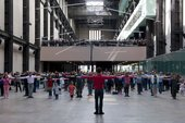 Public warm up with Boris Charmatz in Turbine Hall