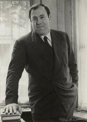 David Sylvester c.1960 © National Portrait Gallery, London Photo: Ida Kar