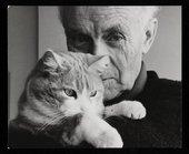 Felicitas Vogler, Photograph of Ben Nicholson holding his cat, Tommy 1968 © Fondation du Refuge SPA de Saint-Légier-la-Chiésaz