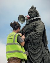 Installation of Sophie Ernst's 'Silent Empress' in Castrop Rauxel Square, Wakefield, 2012