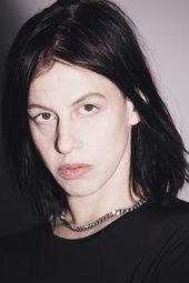Anne Imhof Portrait © Photo Nadine Fraczkowski