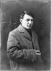 Black and white photograph of Pablo Picasso as a young man
