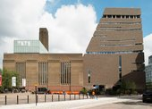 Photograph of Tate Modern with new extension