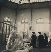 Three women visiting Rodin'sworkshop, c.1901 Photo by Jules Richard, Musée Rodin