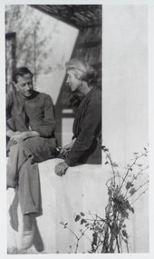 Duncan Grant and Vanessa Bell at La Bégère, their house at Cassis in the South of France © Tate Archive