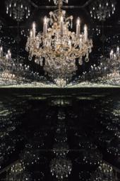 Yayoi Kusama illusion room of infinite chandeliers