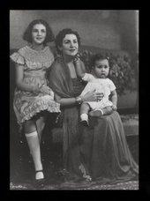 Zeid with her children Shirin and Prince Raad, Berlin1937