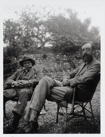 Lifestyle And Legacy Of The Bloomsbury Group Look Closer